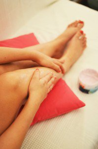 The Best Oils for Massage - Leg Massage